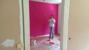 pinkfarbene Wand